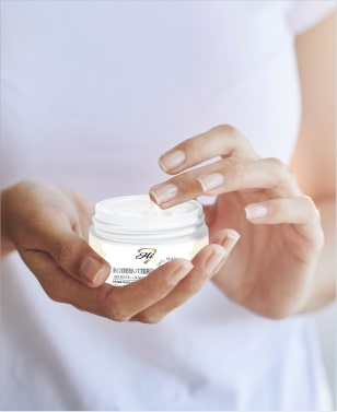 Simply scoop, dab and rub-in pure body butter onto dry areas