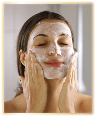Apply on moist face & neck, Gently work up lather using light circular motion